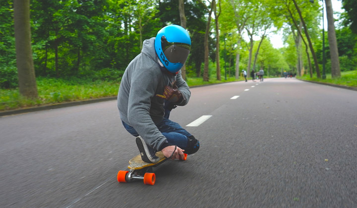 Electric Skateboard Travel Guide: Paris