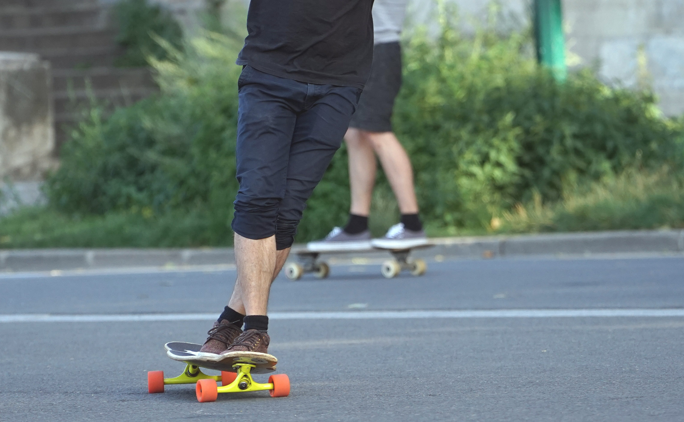 ... skateboard or longboard with an axle 2a9a6ceaecc