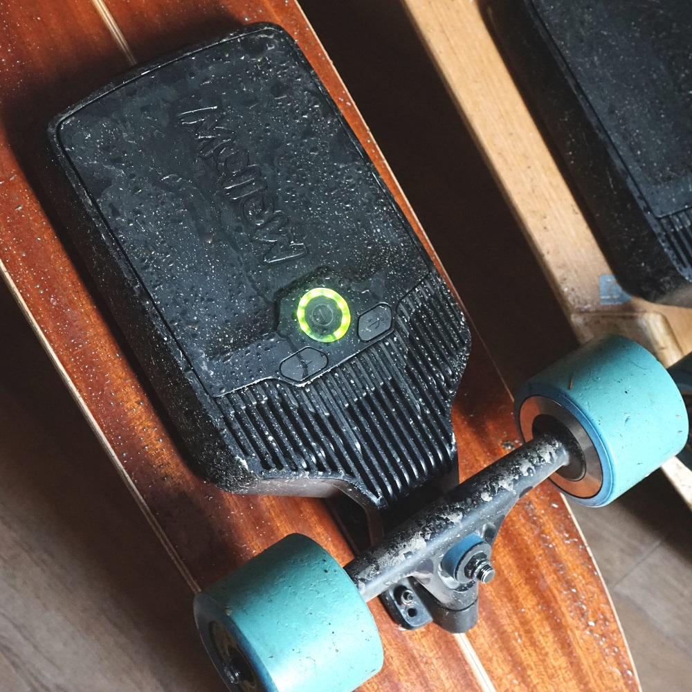 mellow-waterproof-electric-skateboard-embed